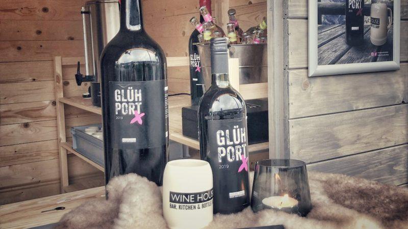 WINE HOUSE Glühwein in der kleinen und großen Flasche